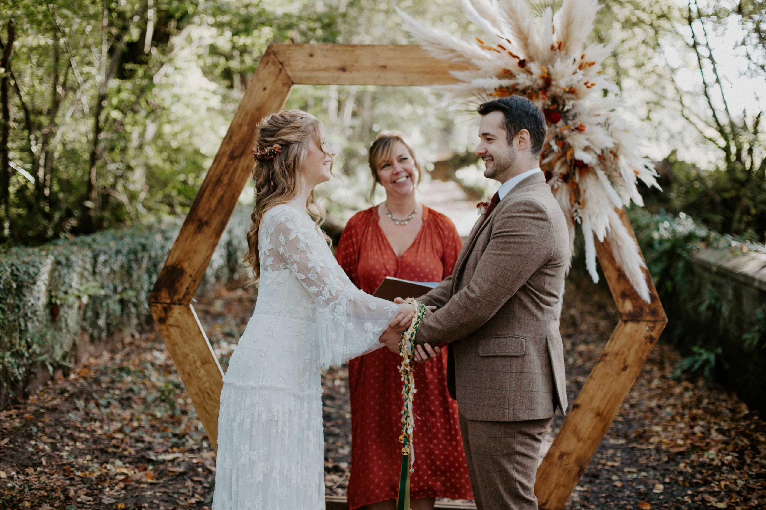 Autumn Wedding Ceremony Ideas and Inspiration