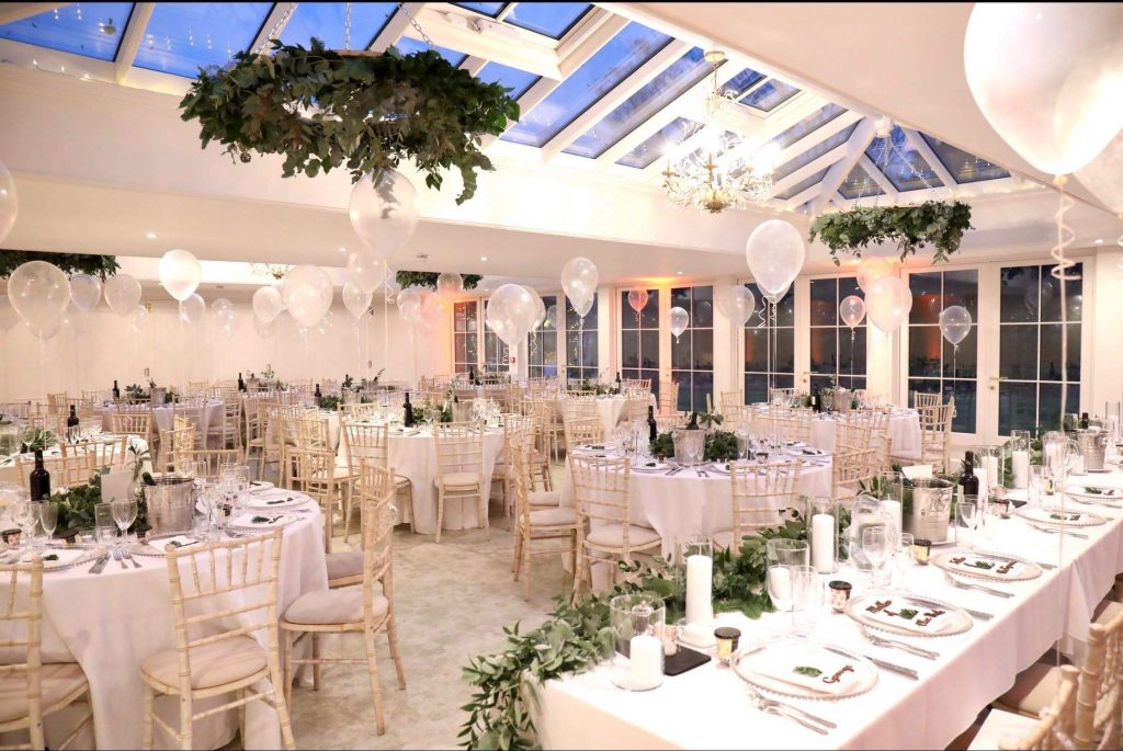 Ideas for your white winter wedding decorations