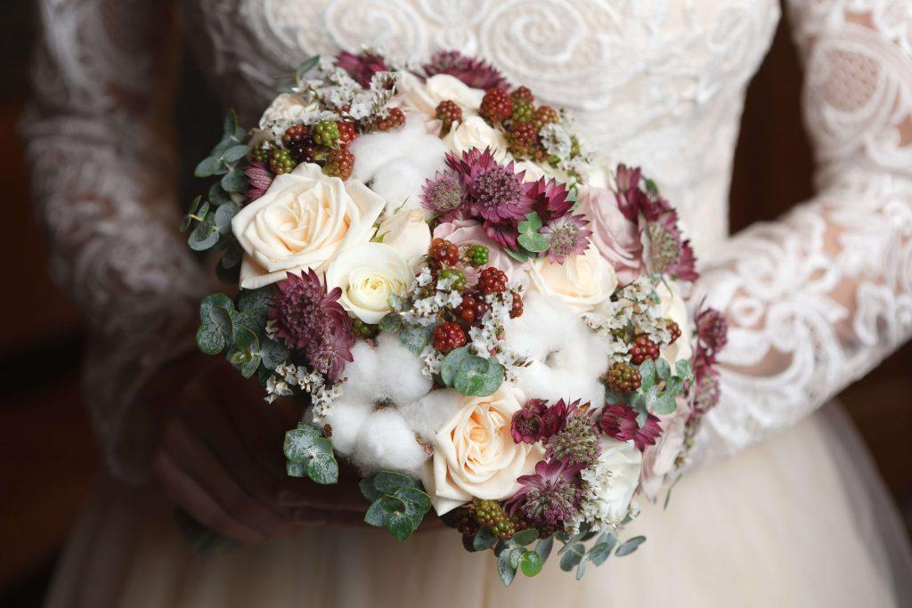 Ideas for Winter Wedding Flowers