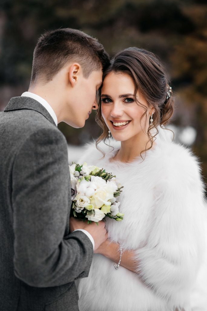 Ideas for your Winter wedding themed christmas wedding